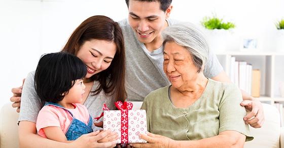 multi generational family gift giving