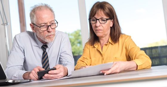 accounting man and woman